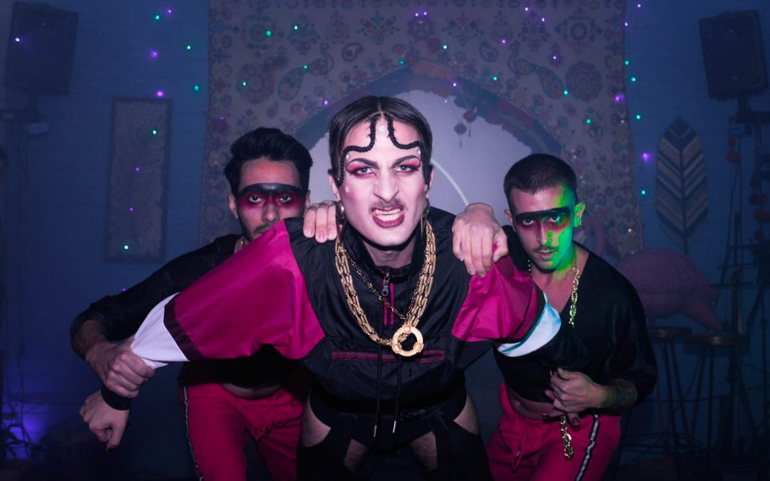 Brillos, tacos altos y actitud: el detrás de escena de una fiesta drag conurbana