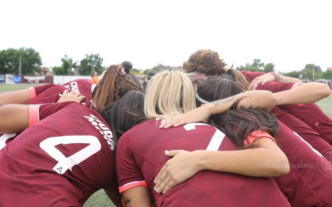 Acá hay fútbol femenino y profesional